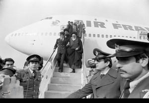 Ayatollah return from France exile